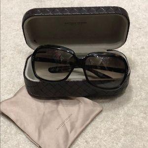 7a0124d58ed Bottega Veneta Accessories | Borrega Veneta Sunglasses | Poshmark